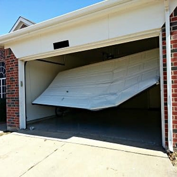 24-hour emergency garage door repair in Key Biscayne